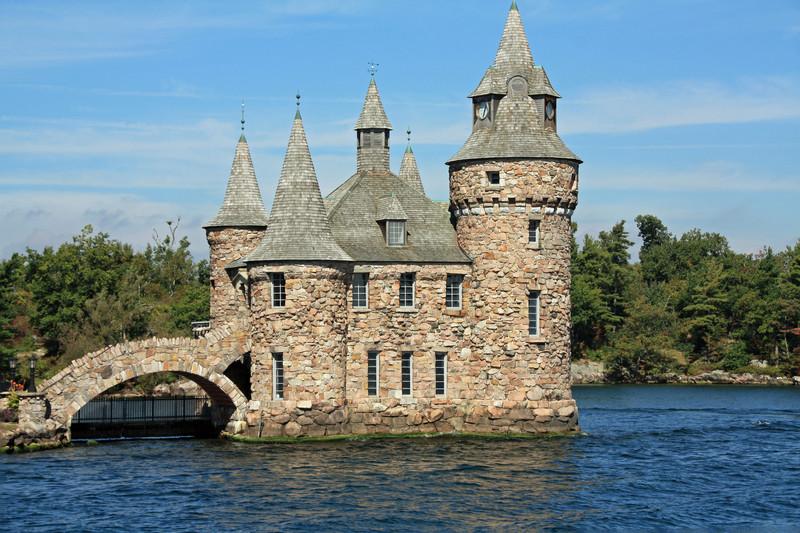 boldt-castle-wall.jpg?itok=swGsVd9k