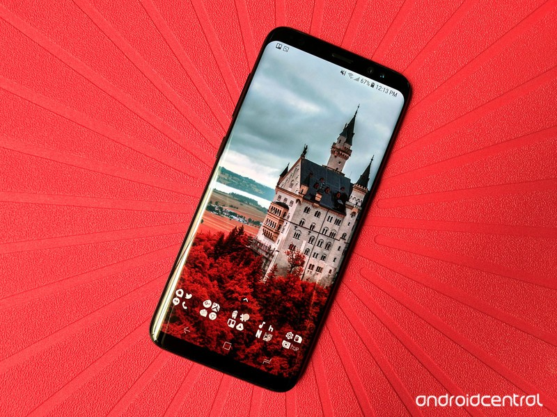 castle-wallpaper-red-s8.jpg?itok=uAyXFvm