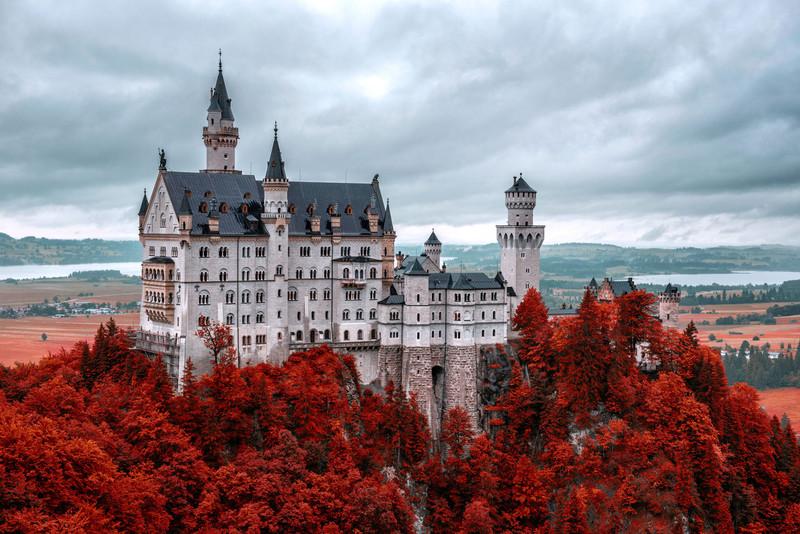 neuschwanstein-castle-wall.jpg?itok=Yr0g