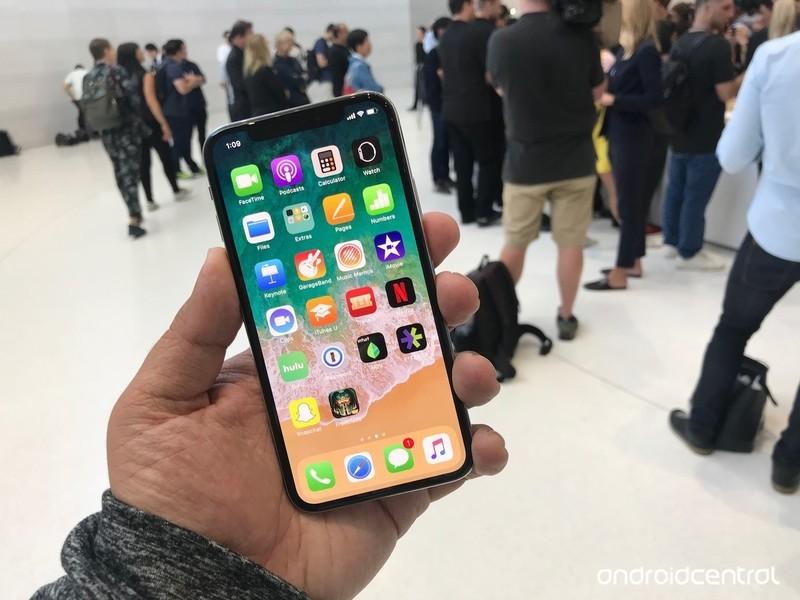 iphone-x-home-screen.jpg?itok=cne-kFFK