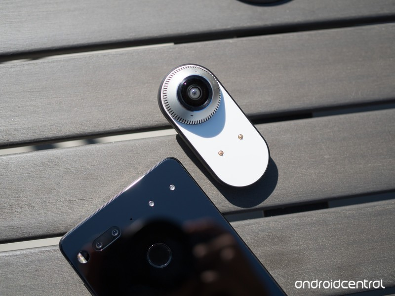essential-phone-360-camera-2.jpg?itok=Ke