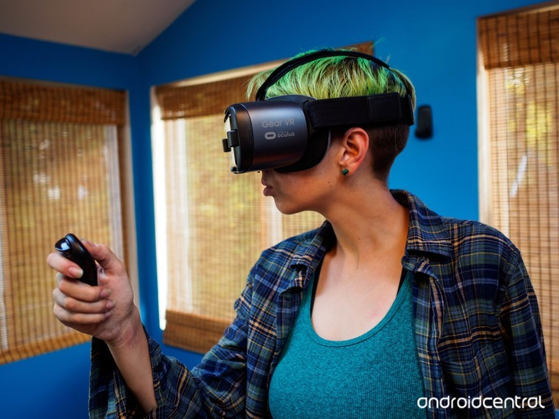 oculus-rift-jen-controller.jpg?itok=aAtW