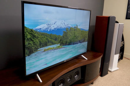 Bose 25 Vs 35 >> TCL S305 TV unboxing and setup: Entry-level model is ready to watch in no time - AIVAnet