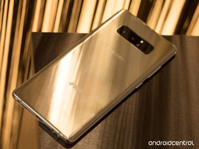 note8-gold-3.jpg?itok=wUSZz8Pp
