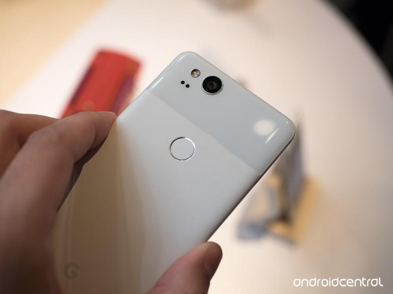 google-pixel-2-white-2.jpg?itok=jngKFoME