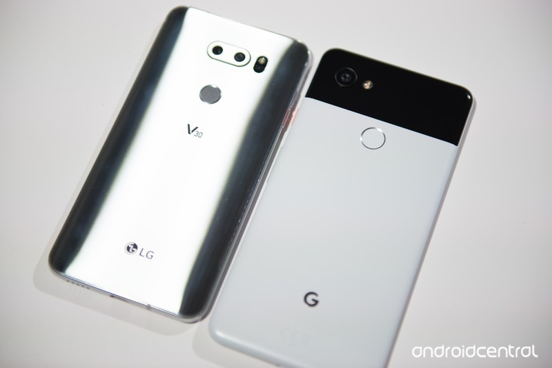 google-pixel-2-xl-lg-v30-2.jpg?itok=gZA8