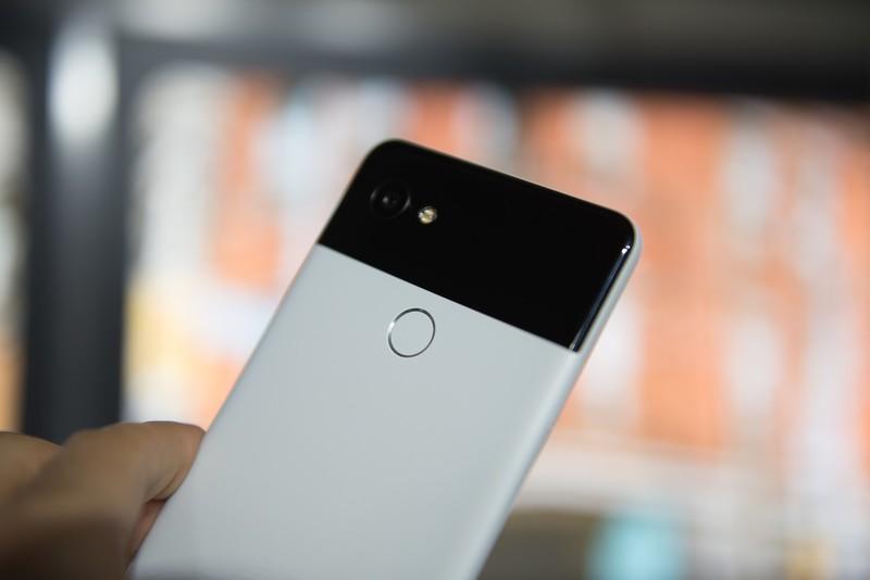 google-pixel-2-xl-10.jpg?itok=sunhiY6o