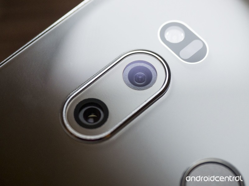 lg-v30-camera-lenses-hero.jpg?itok=HuRMj