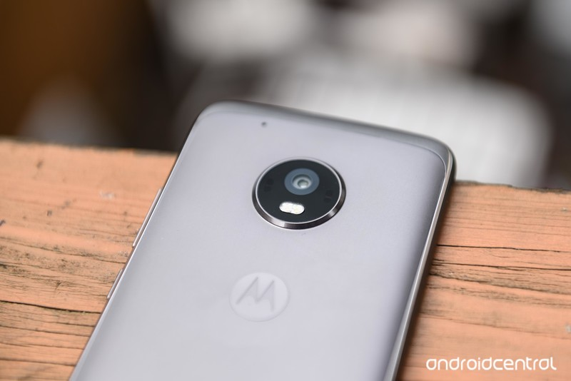 moto-g5-plus-review-3.jpg?itok=g1q_T2zZ