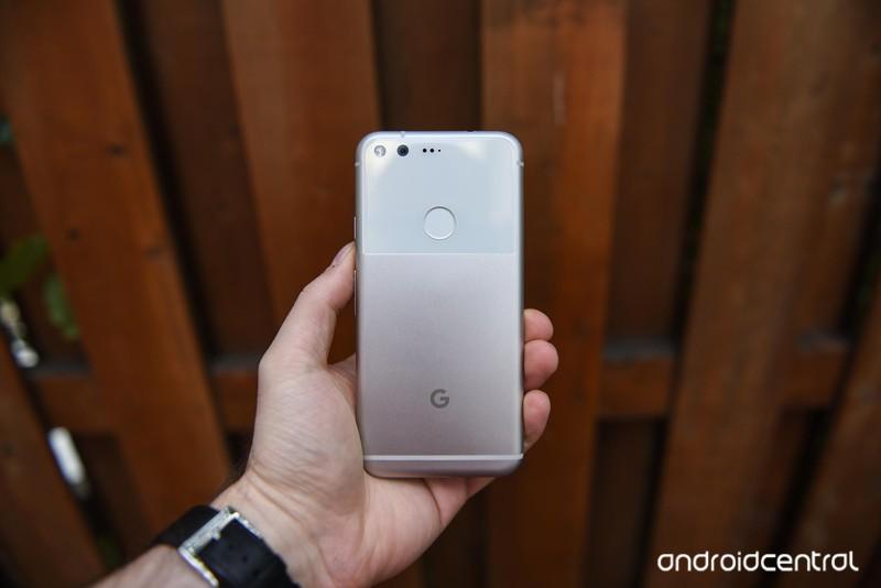 google-pixel-review-10.jpg?itok=NacXL5TN