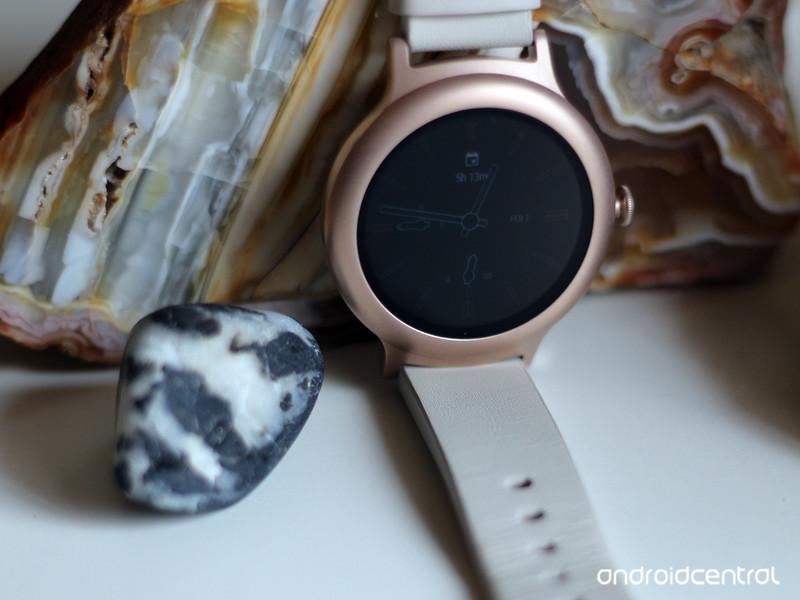 lg-watch-style-2968.jpg?itok=k2ZWSb8N