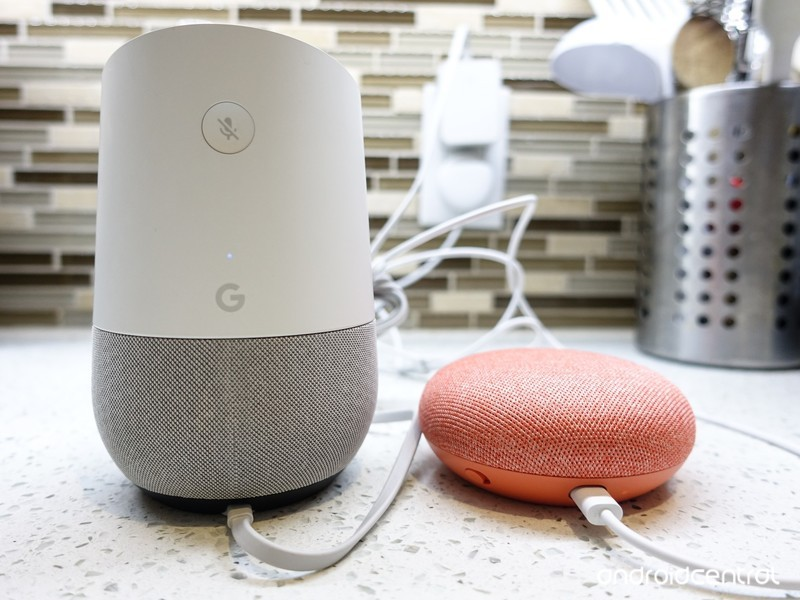 google-home-vs-home-mini-3.jpg?itok=TaJN