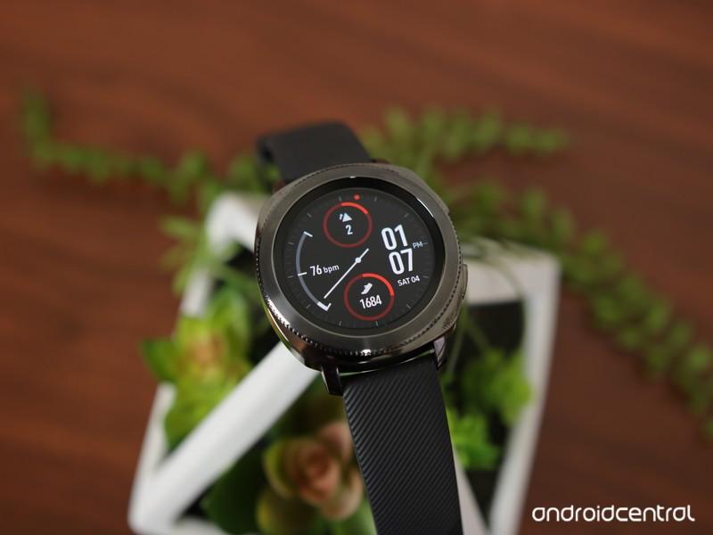Samsung-Gear-Sport-Head-On_0.JPG?itok=1m