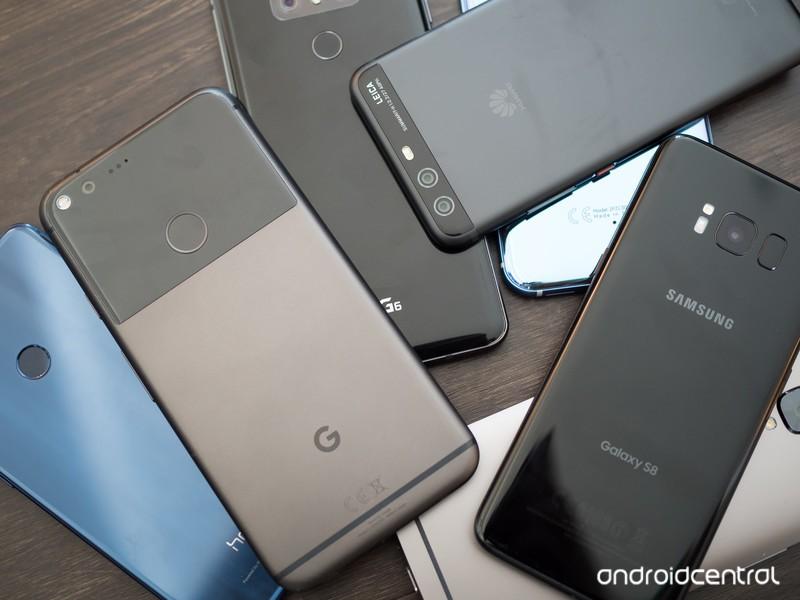 pile-of-phones-mid-2017-1.jpg?itok=WEbza