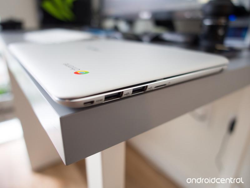 asus-chromebook-flip-ports-side.jpg?itok