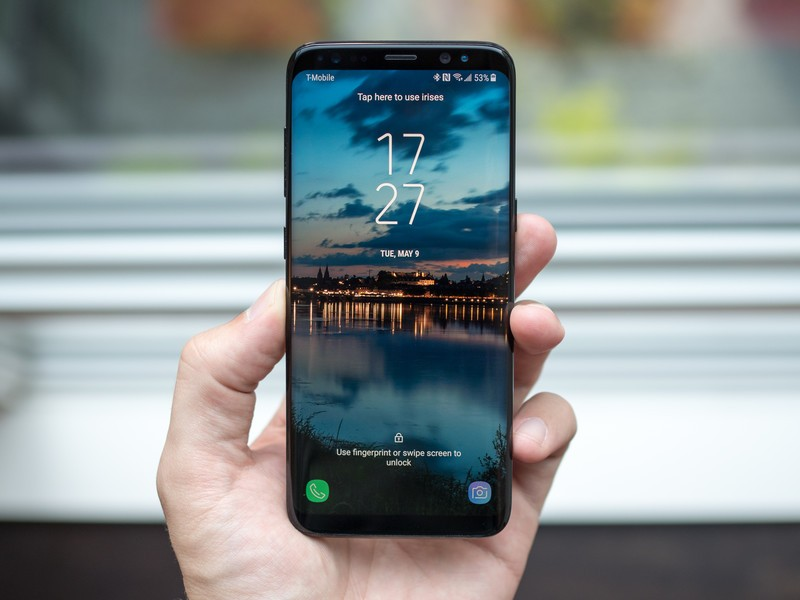 galaxy-s8-home-screen-in-hand.jpg?itok=w