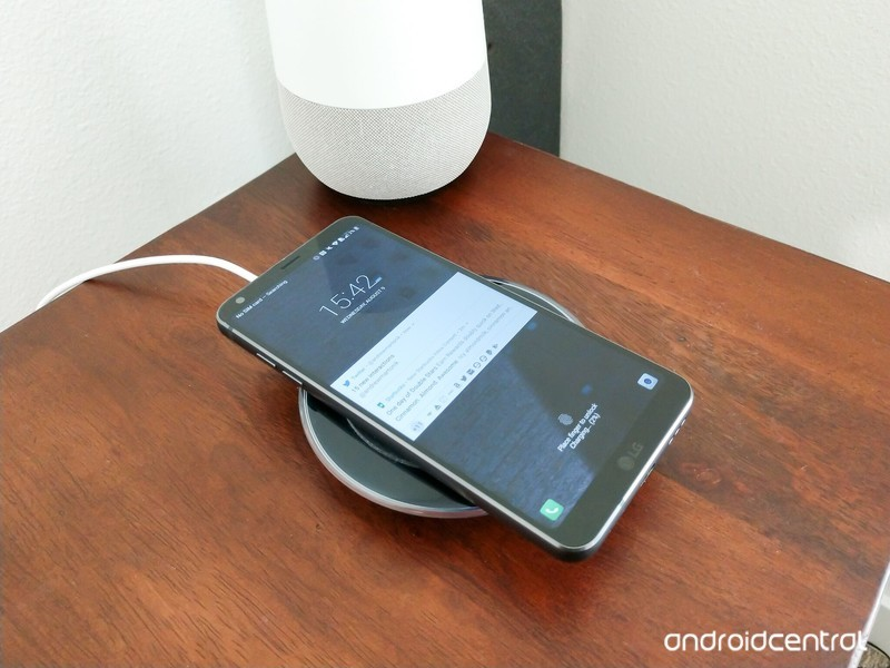 lg-g6-nighstand-wireless-charging.jpg?it