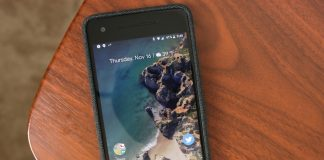 Google's fabric case for Pixel 2 is my favorite accessory in years