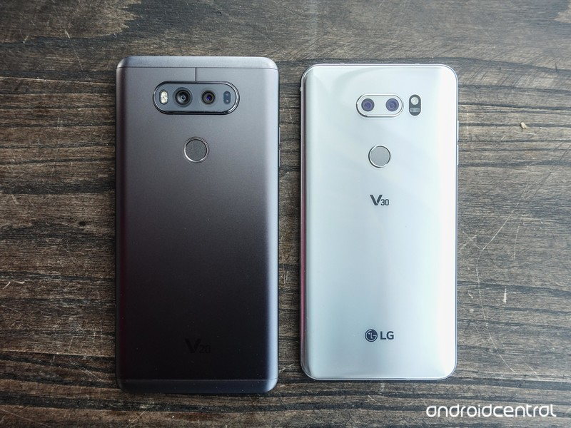 lg-v30-hands-on-9.jpg?itok=XLmcR22q