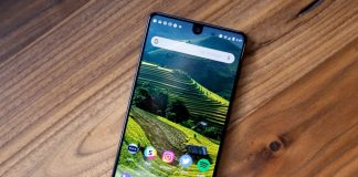 Essential Phone joins the portrait mode photo party