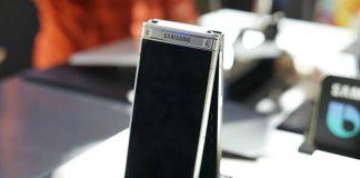 Samsung's W2018 combines the best features of smartphones and flip phones