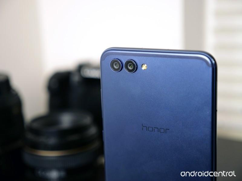 honor-view-10-cameras-angle.JPG?itok=k8v