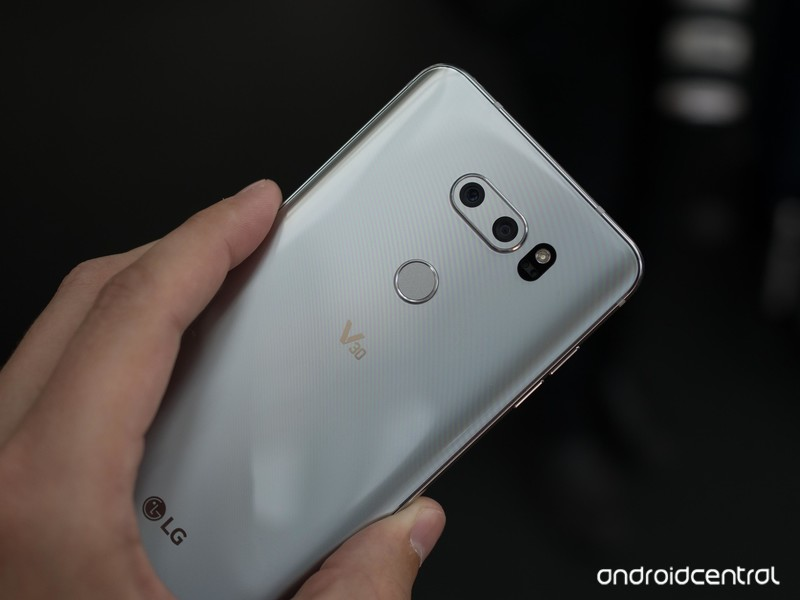 lg-v30-hands-on-19.jpg?itok=xVVHXA5y