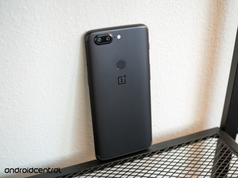 oneplus-5t-back-angle-black-39ul.jpg?ito