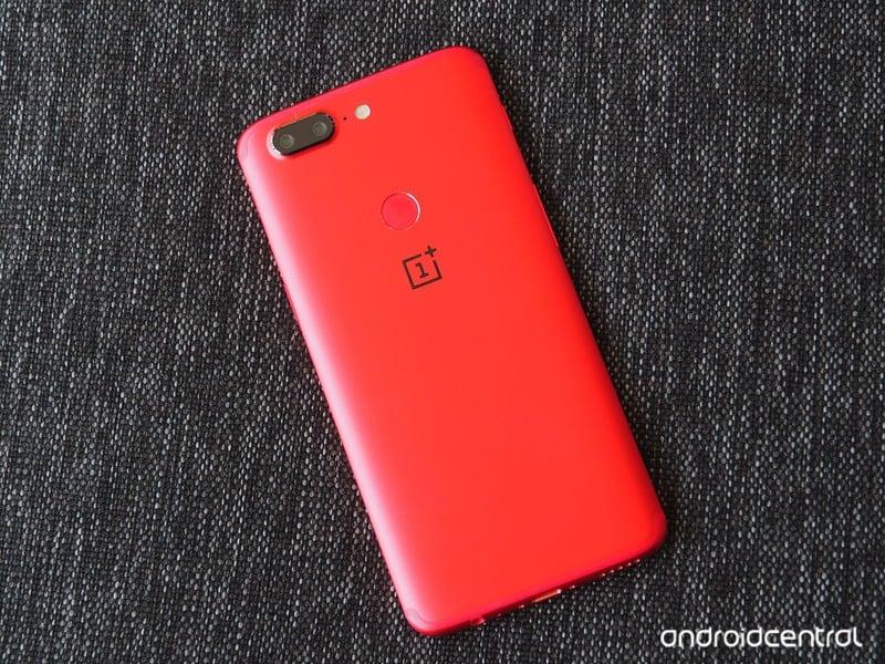 oneplus-5t-lava-red-6.jpg?itok=XDKApeJq