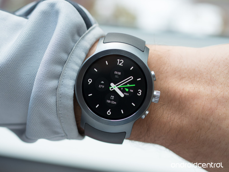 lg-watch-sport-face-on-wrist.jpg?itok=us