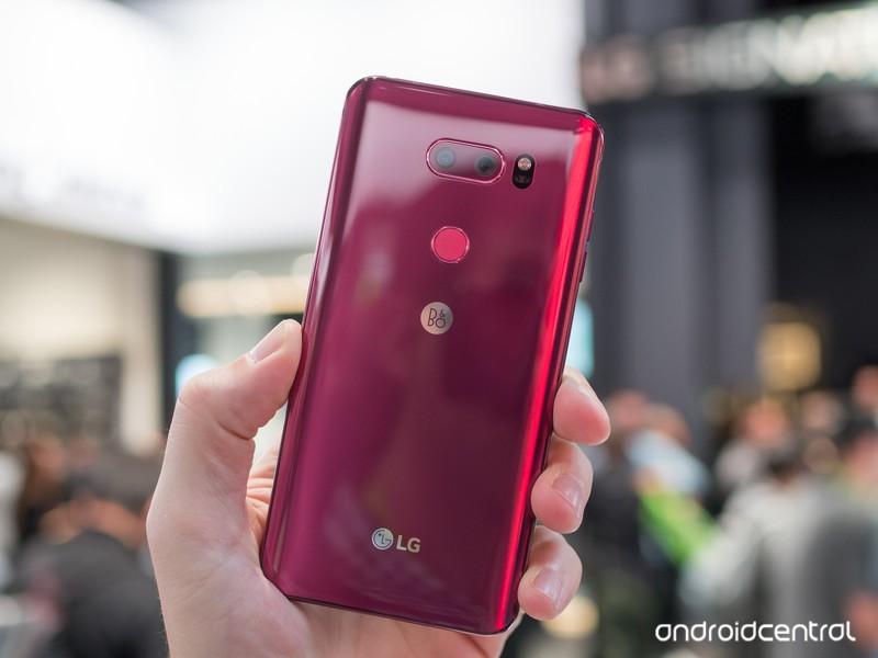 lg-v30-raspberry-red-6.jpg?itok=HaWDr5rV