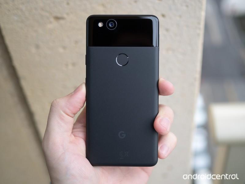 google-pixel-2-black-in-hand-back.jpg?it
