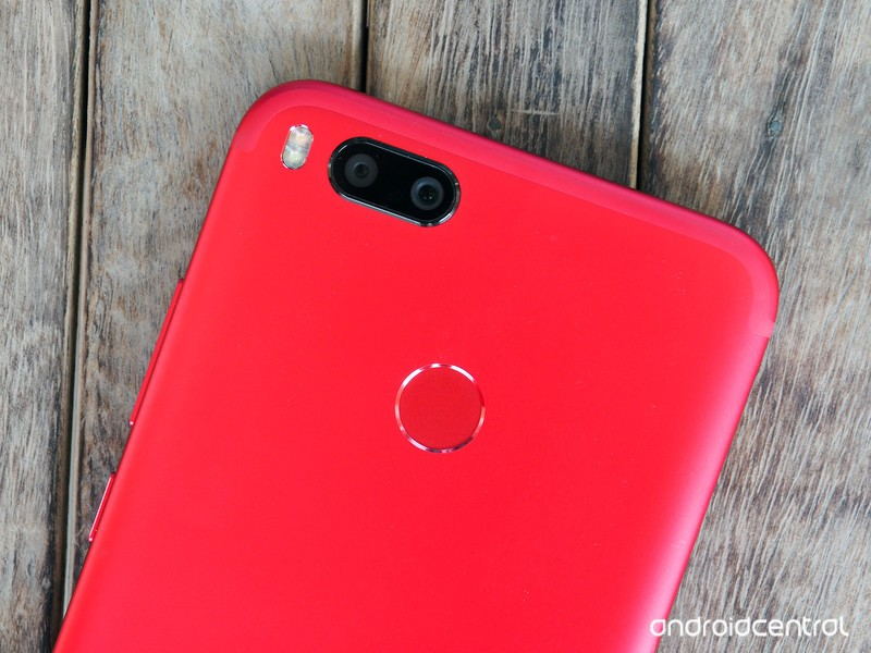 xiaomi-mi-a1-red-7.jpg?itok=BfTEgG9a