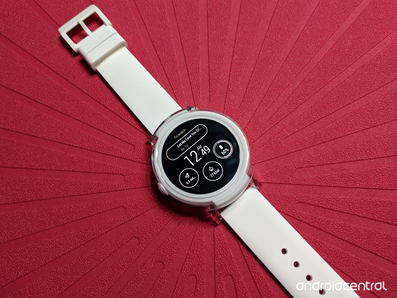 ticwatch-e-always-on-red.jpg?itok=Nt3Sws