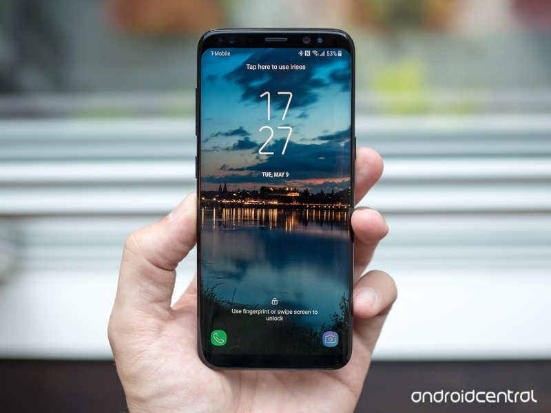 galaxy-s8-home-screen-in-hand.jpg?itok=C