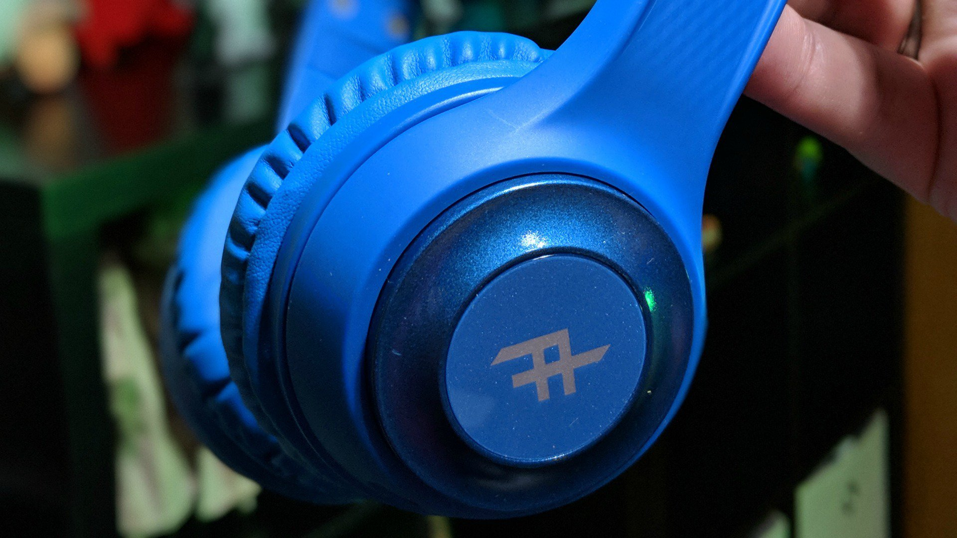f59073a0c31 Toxix Wireless Headphones ($24.99 SRP) – If you're not ready to commit to  the Resound model, save ten bucks and opt for these.
