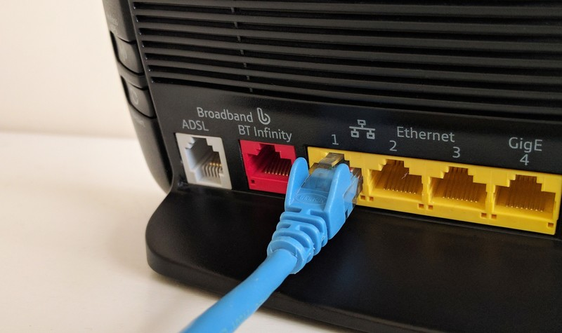 router-ethernet-bt-8rcq.jpg?itok=reZnefR