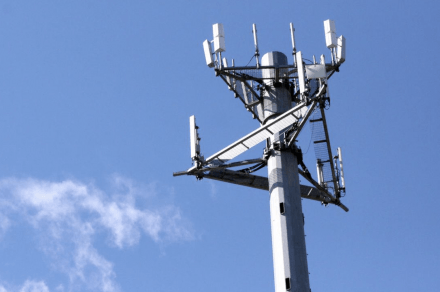 U.S. stays in fifth in global 4G availability rankings, increases in 4G speed