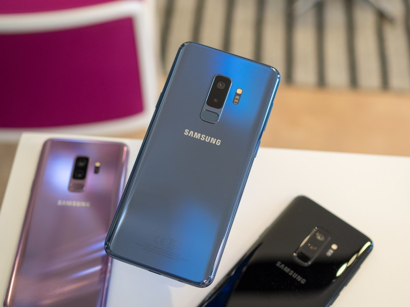 samsung-galaxy-s9-plus-coral-blue-with-p