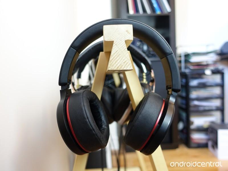 fiil-iicon-headphones-2.jpg?itok=0fhaKtl