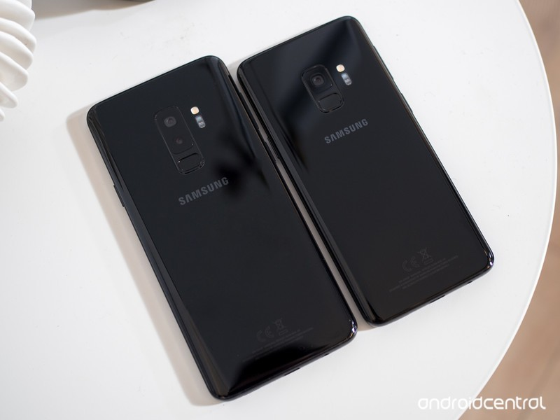 samsung-galaxy-s9-and-s9-plus-black-back