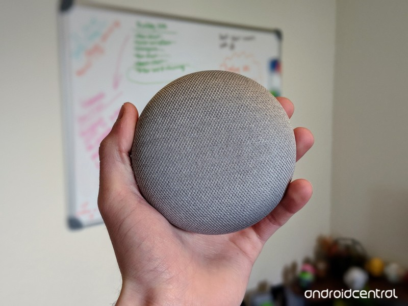 Google-Home-Mini-in-hand_0.jpg?itok=-Ul5