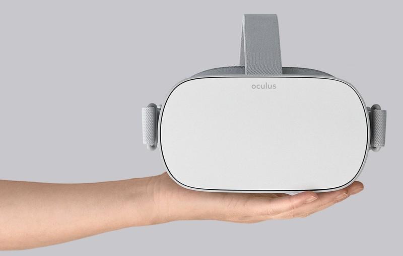 oculus-go-held.jpg?itok=HcOMz5h7