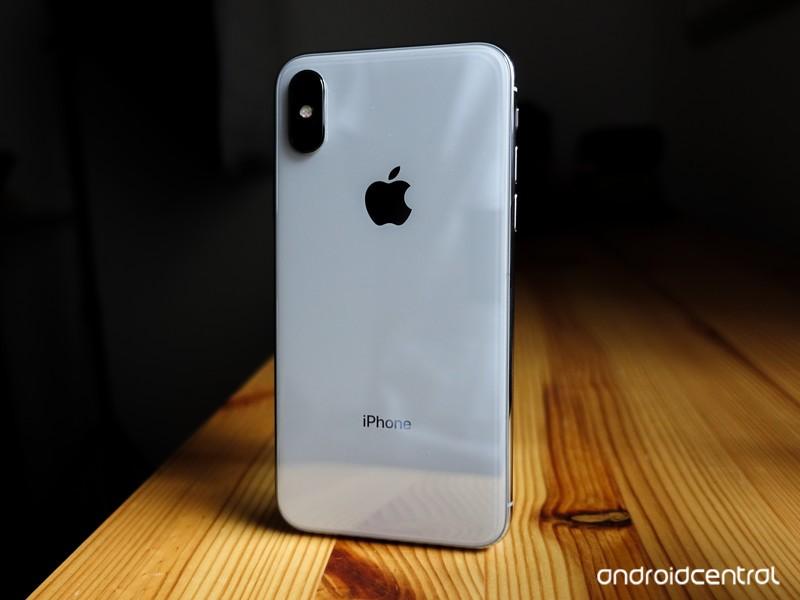 iphone-x-bader-11.jpg?itok=Bgps2ZLD