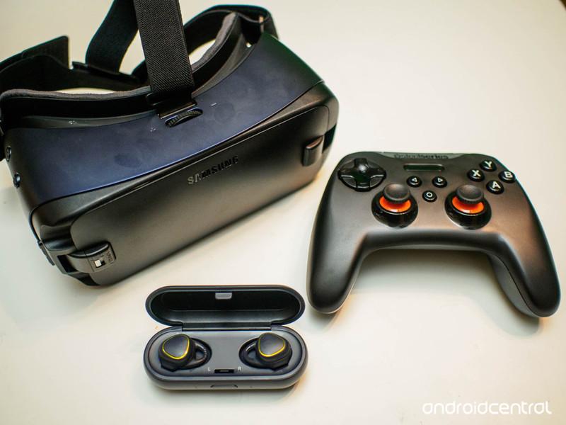 gear-vr-kit.jpg?itok=bZyJhoty