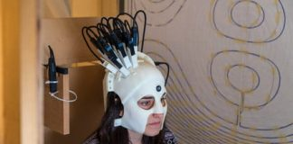 This cyberpunk spartan helmet is actually a portable brainwave scanner