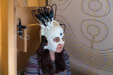 This cyberpunk spartan helmet is actually a portable brainwave scanner