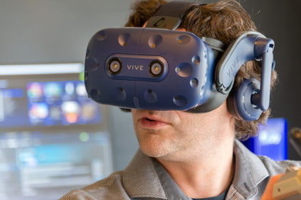 The Vive Pro proves that HTC and Oculus need each other for VR to succeed