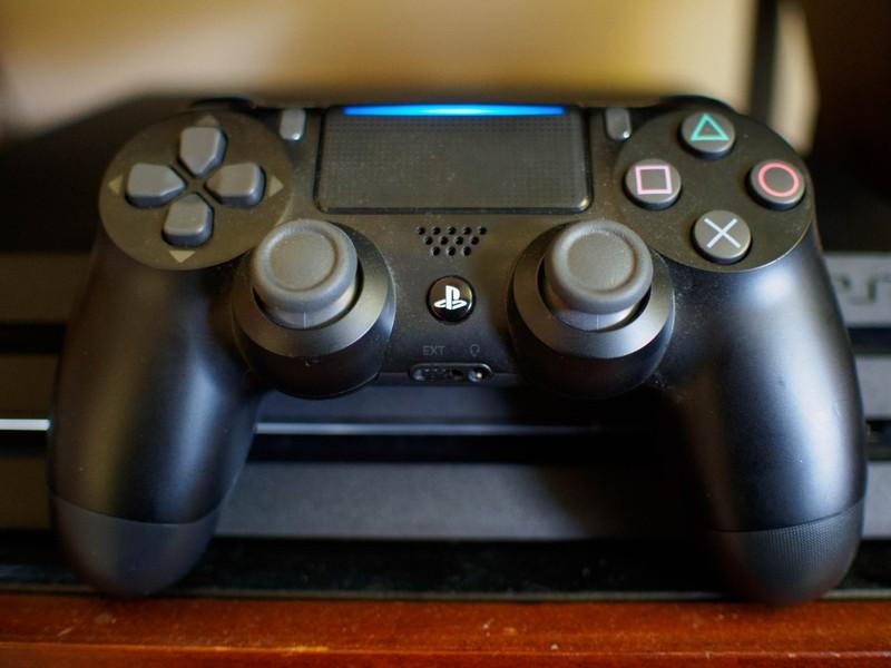 dualshock-console.jpg?itok=YLcFhJol