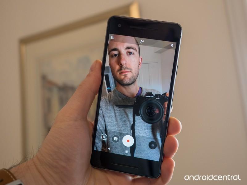 google-pixel-2-selfie-1.jpg?itok=TGgH4GF